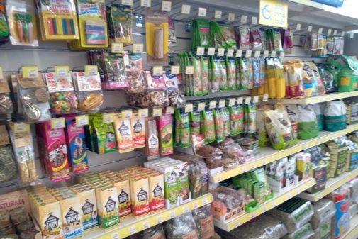 PETS FOOD AND ACCESSORIES FOR SMALL MAMMALS INCLUDING RABBITS AND GUINEA PIGS